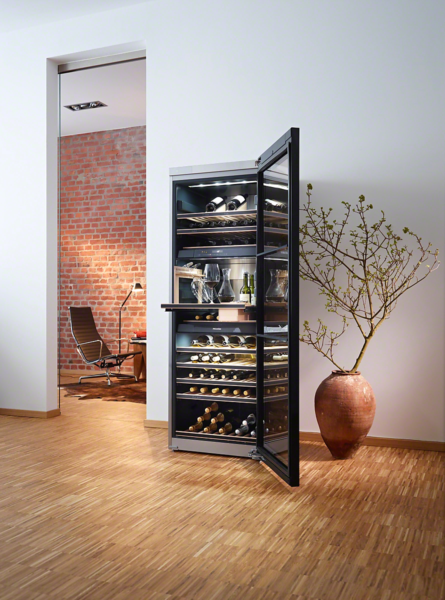 Kwt 6832 sgs freestanding wine conditioning unit tinted glass door strip hand - Cave a vin petite taille ...