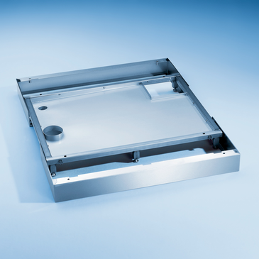 SBW/4 - Plinth including drip tray and openings for connecting services to G 7823/24.--stainless steel exterior